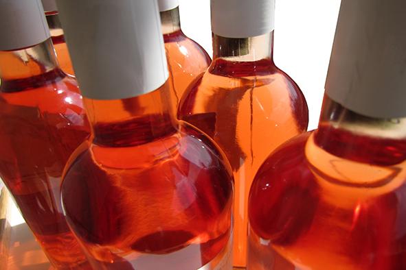 Les obturateurs à faible perméabilité améliorent la garde des vins rosés