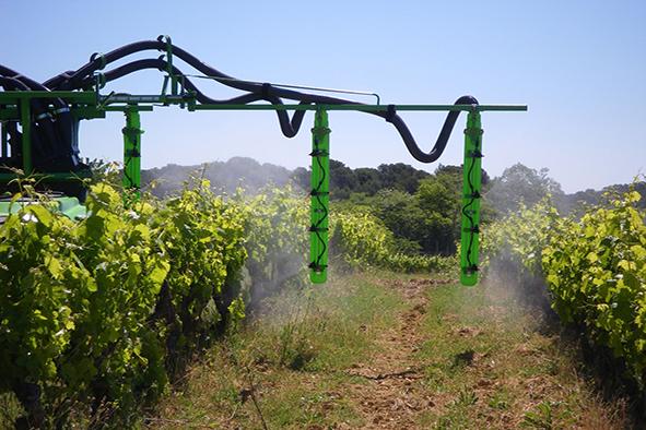 Guide du pulvérisateur en vigne large
